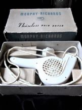 BNIB VINTAGE RETRO MORPHY RICHARDS NOISELESS CREAM HAIRDRYER WORKING